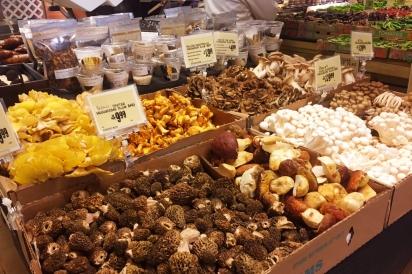 local grocer, local mushrooms, local food